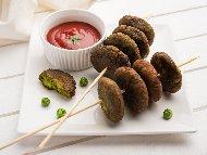 Рецепта Пържени зеленчукови вегетариански кюфтета от грах и карфиол на тиган